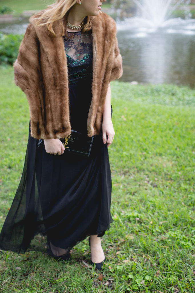 How to Wear a Fur Stole