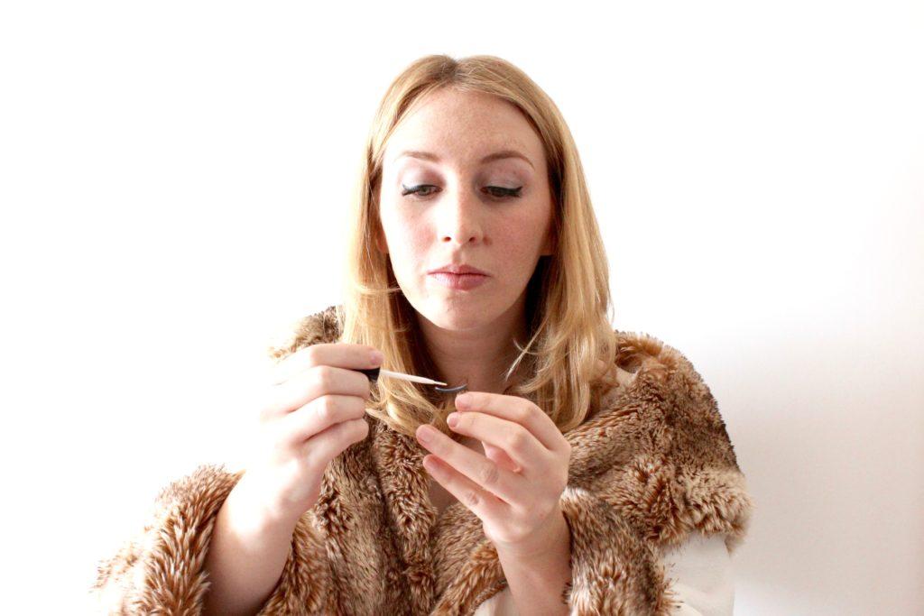 How to Apply Fake Eyelashes Like a Pro | Glitter & Spice