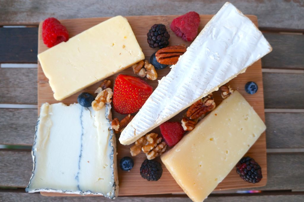 How to Create the Perfect Cheese Plate, make a cheese plate