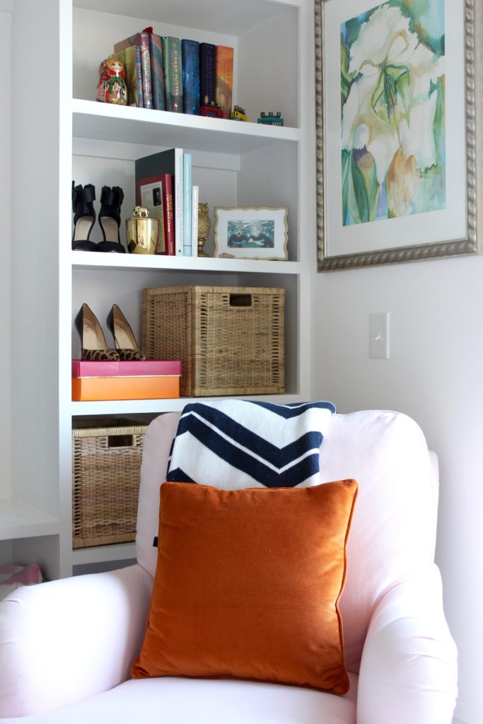The #PinkChairPalace Living Room Tour, girly living room, preppy living room, apartment living, pink chair
