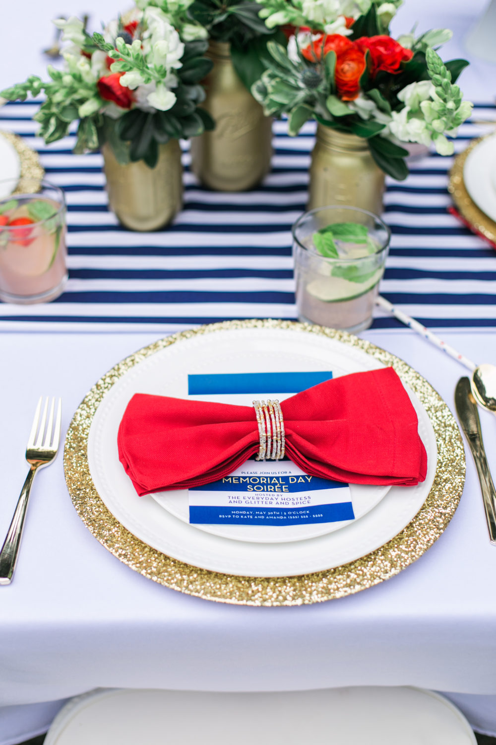Memorial Day Party Ideas MDW Table, Red White and Blue, Memorial Day Party Theme, Gold glitter charger, gold flatware utensils, red napkin
