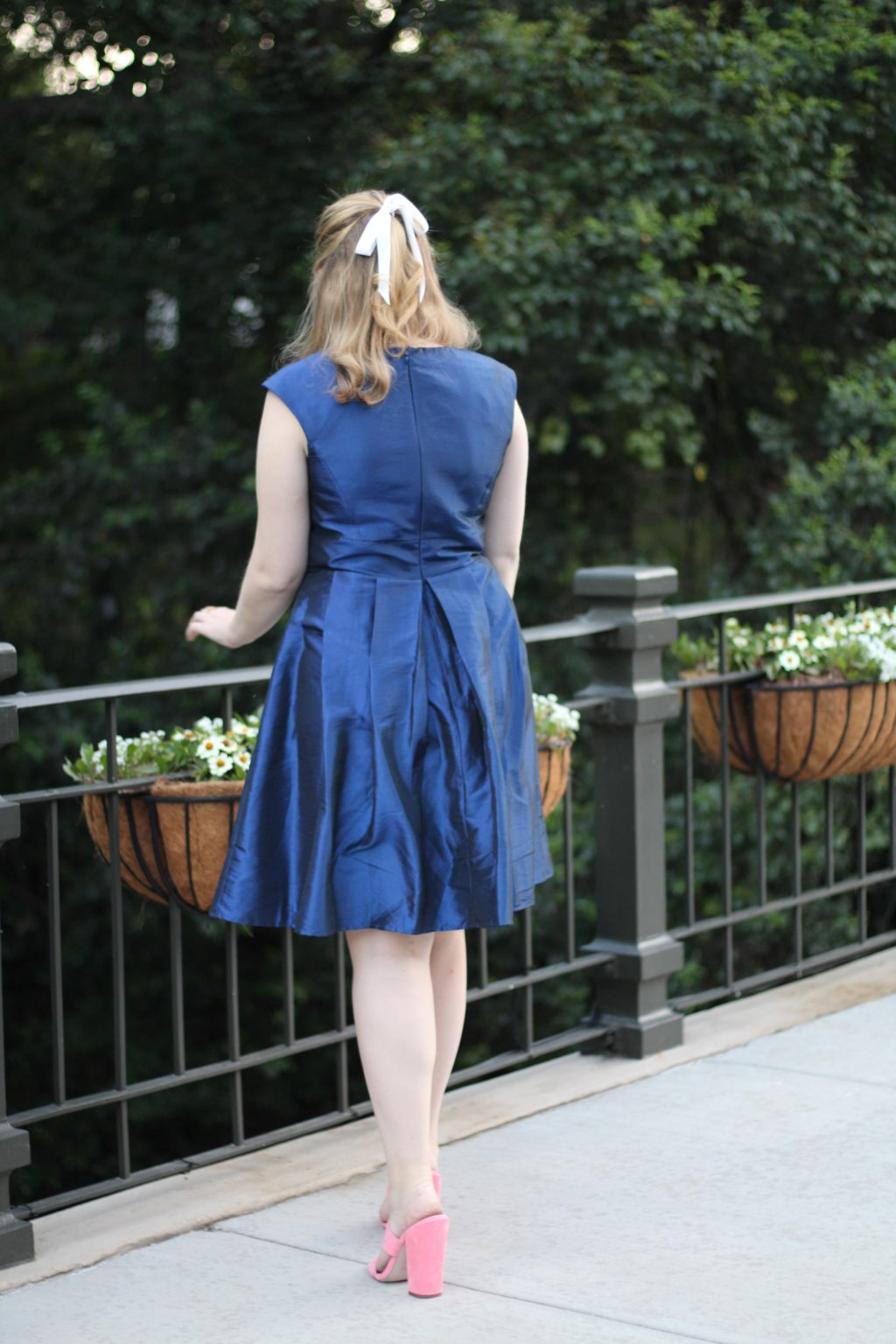 A Navy Dress Perfect to Wear to a Summer Wedding Navy Bow Dress, Chetta B blue dress Last Call Neiman Marcus dallas texas fashion blogger 2