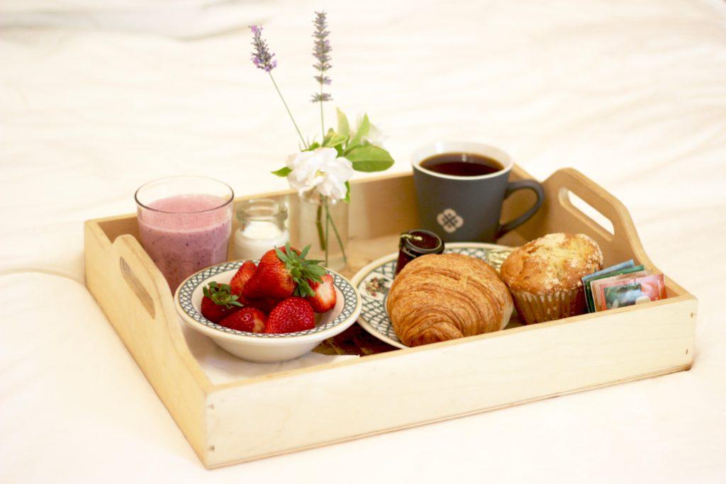 Brannan Cottage Inn Breakfast in Bed