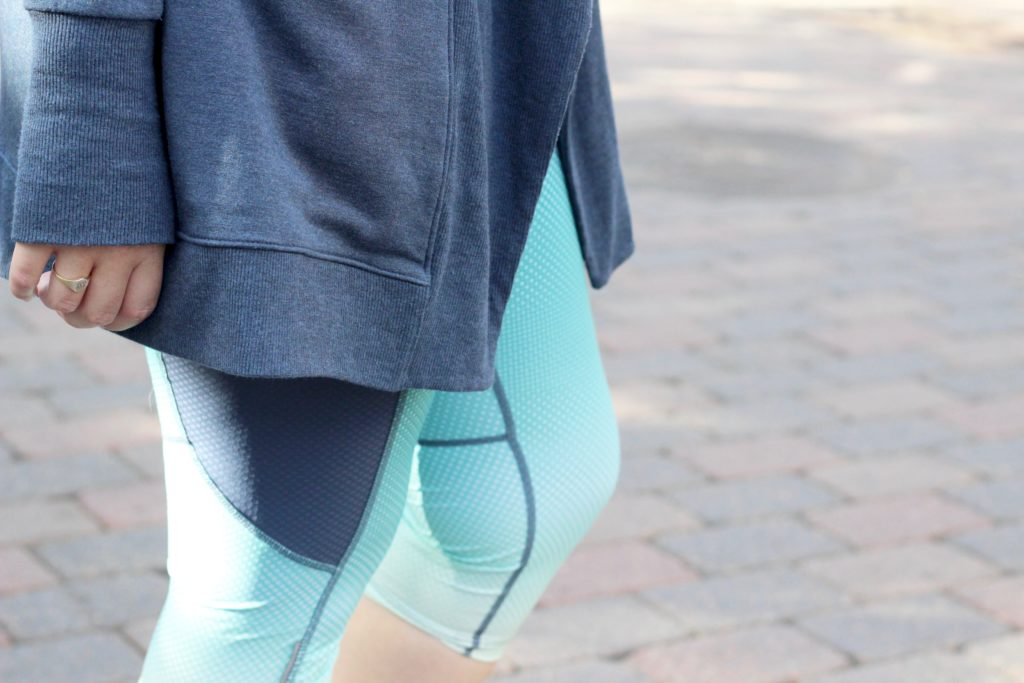 Athleta Fade Out Dobby Be Free Knicker in Tahitian Teal