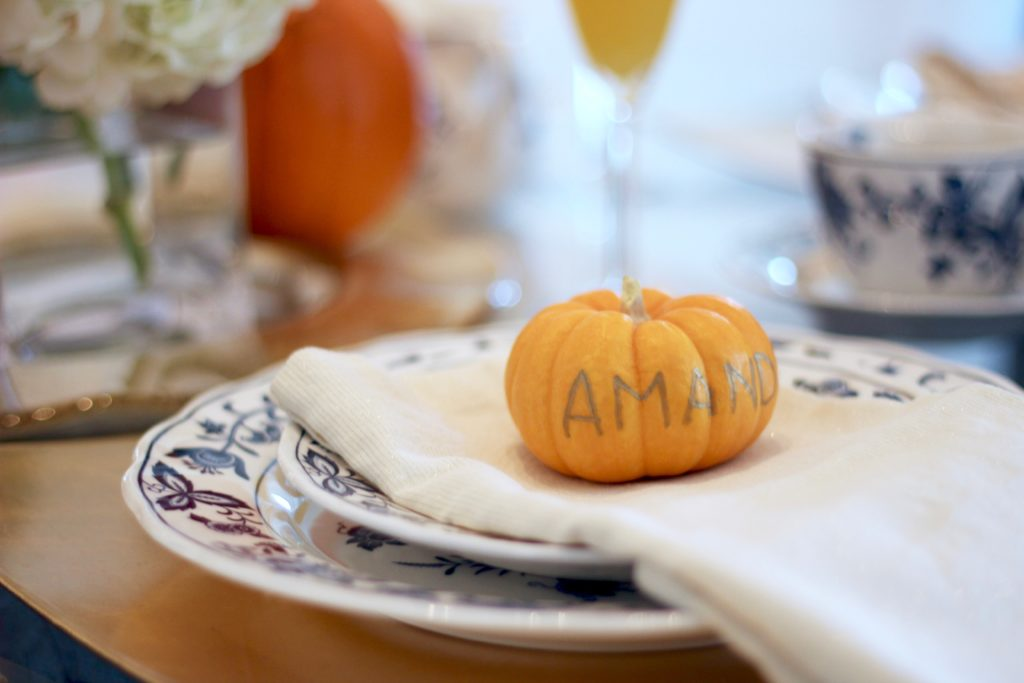pumpkins-as-place-settings