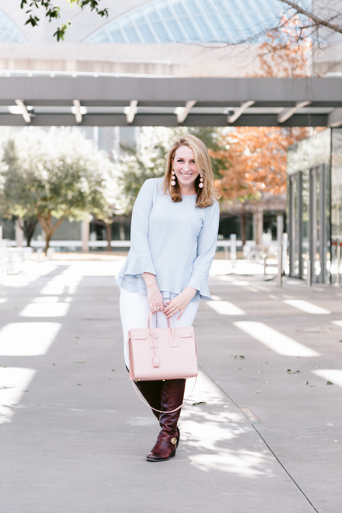 How to style white jeans in winter