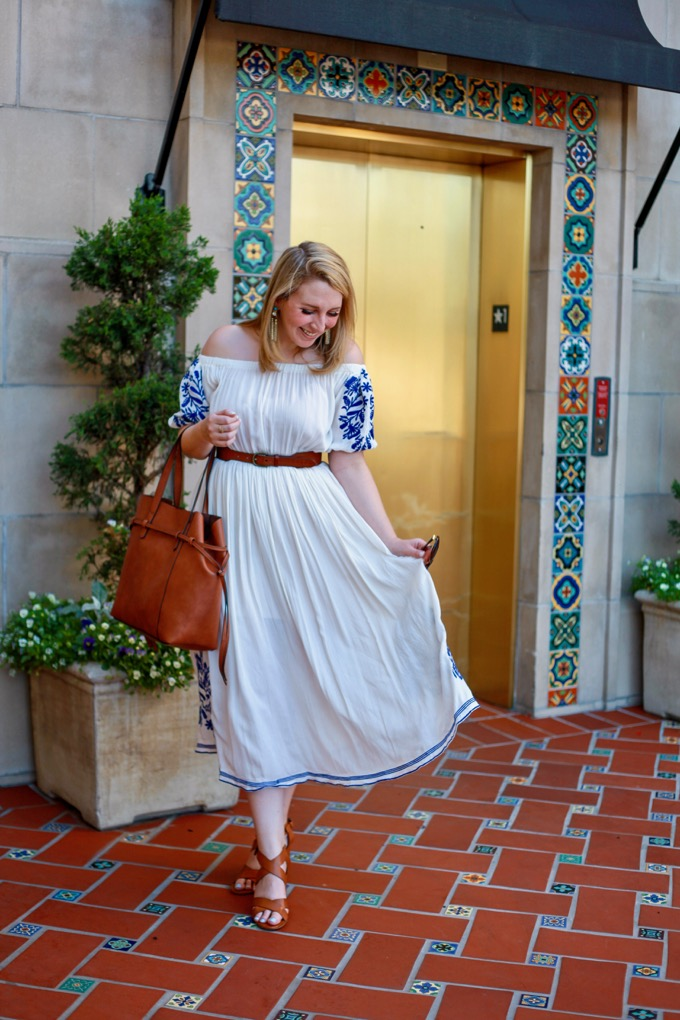 http://www.glitterandspice.com/wp-content/uploads/2017/04/Embroidered-White-Maxi-Dress.jpg