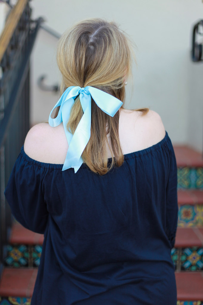 How to wear a hair bow as an adult