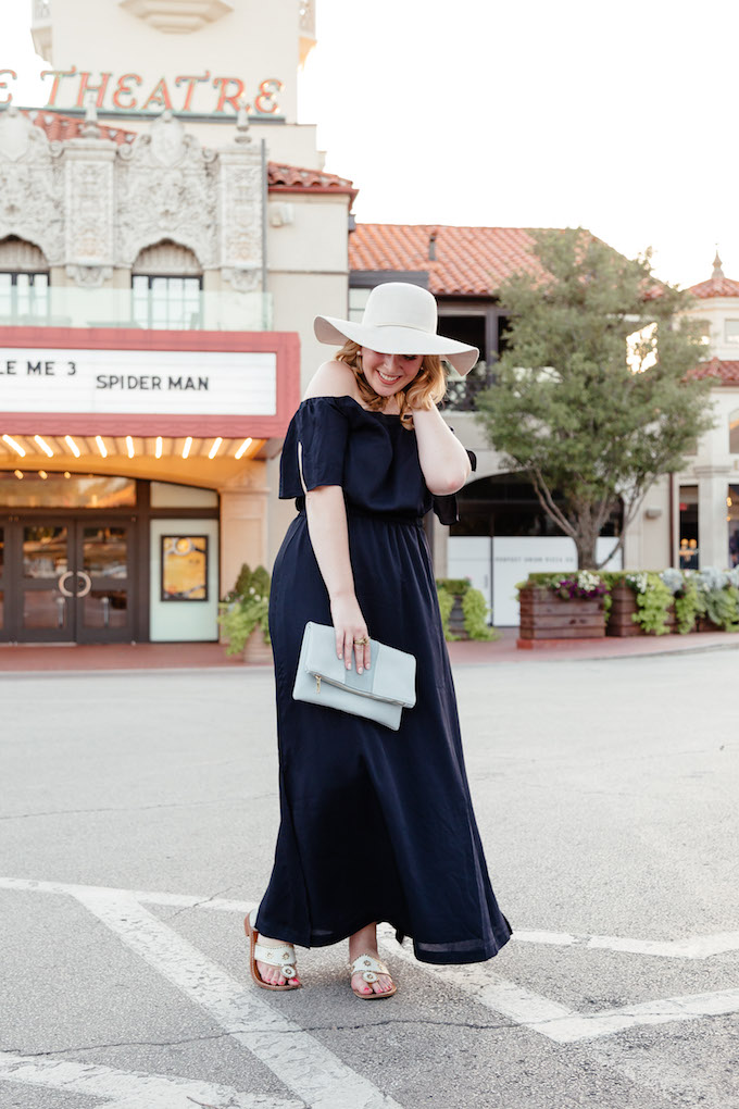 How to Wear a Maxi Dress if You're Curvy