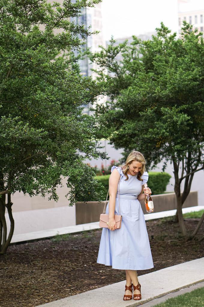 how to dress like Cinderella for Disney, Disney-bounding, Disneybounding Cinderella