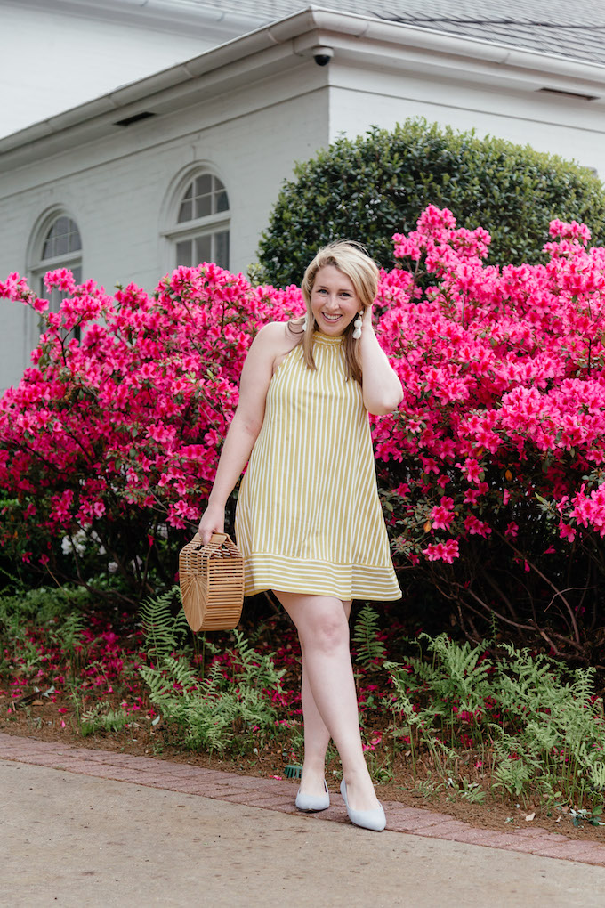 Dallas Fashion and Travel Blogger | Best Flowers in Dallas | Dallas Style Blogger wearing Yellow Dress