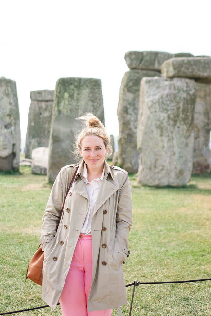 What to Pack for a Summer Trip to England | What to Pack for a Trip to London in the Summer | How to Style a Burberry Trench Coat via Dallas travel blog, Glitter & Spice