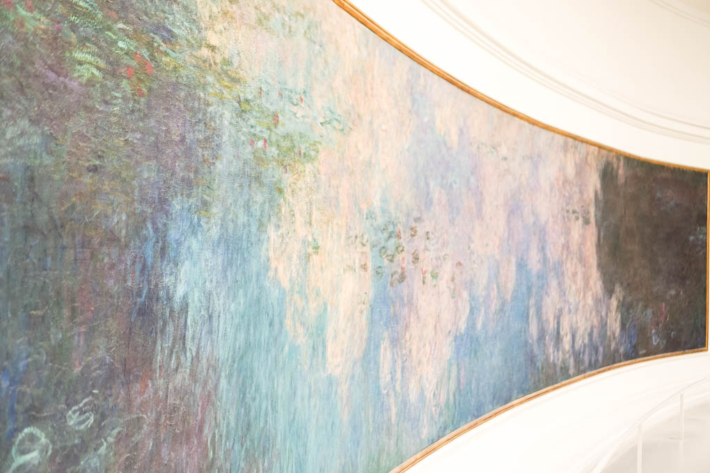 Musee de l'Orangerie | Monet's Water Lillies | Best Museums in Paris via travel blogger Glitter & Spice