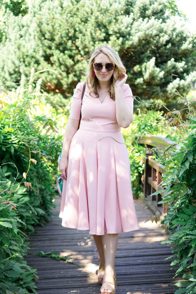 Lifestyle blogger shares a recent trip to Regent's Park in London in the Summer