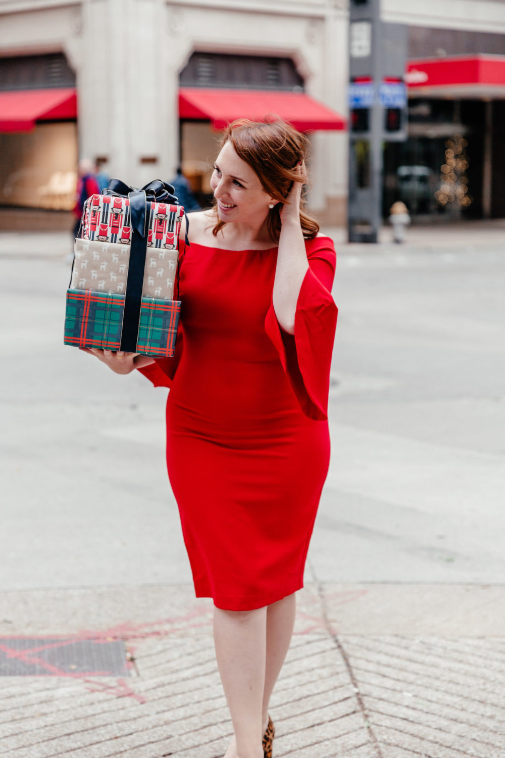 What to Wear to an Office Holiday Party | What to Wear to a Work Holiday Party | Cocktail Holiday Attire via Dallas fashion blogger Glitter & Spice