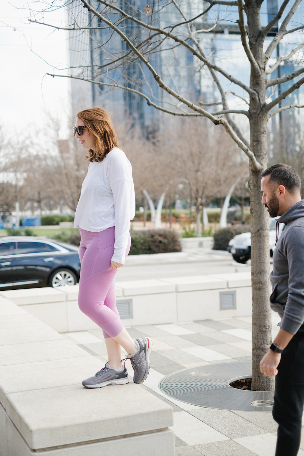 Bodyweight Step Ups featuring Athleta Mesh Contender Capri via lifestyle blogger Glitter & Spice