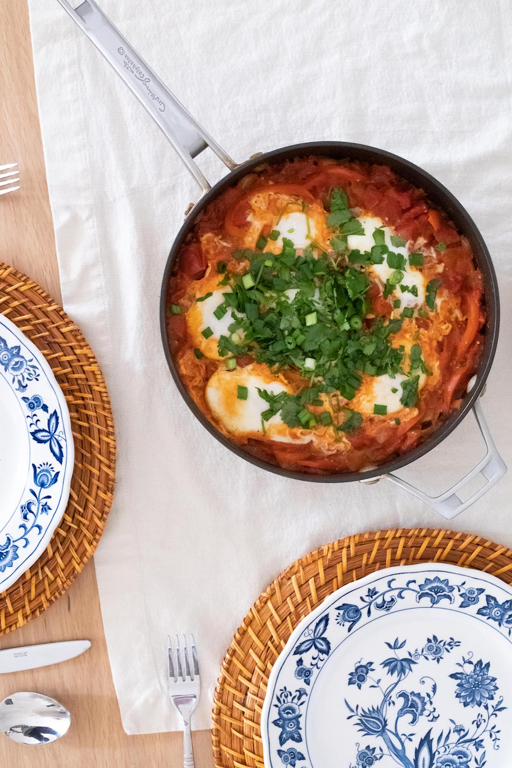 Traditional Shakshuka Recipe | Whole30-approved brunch recipes