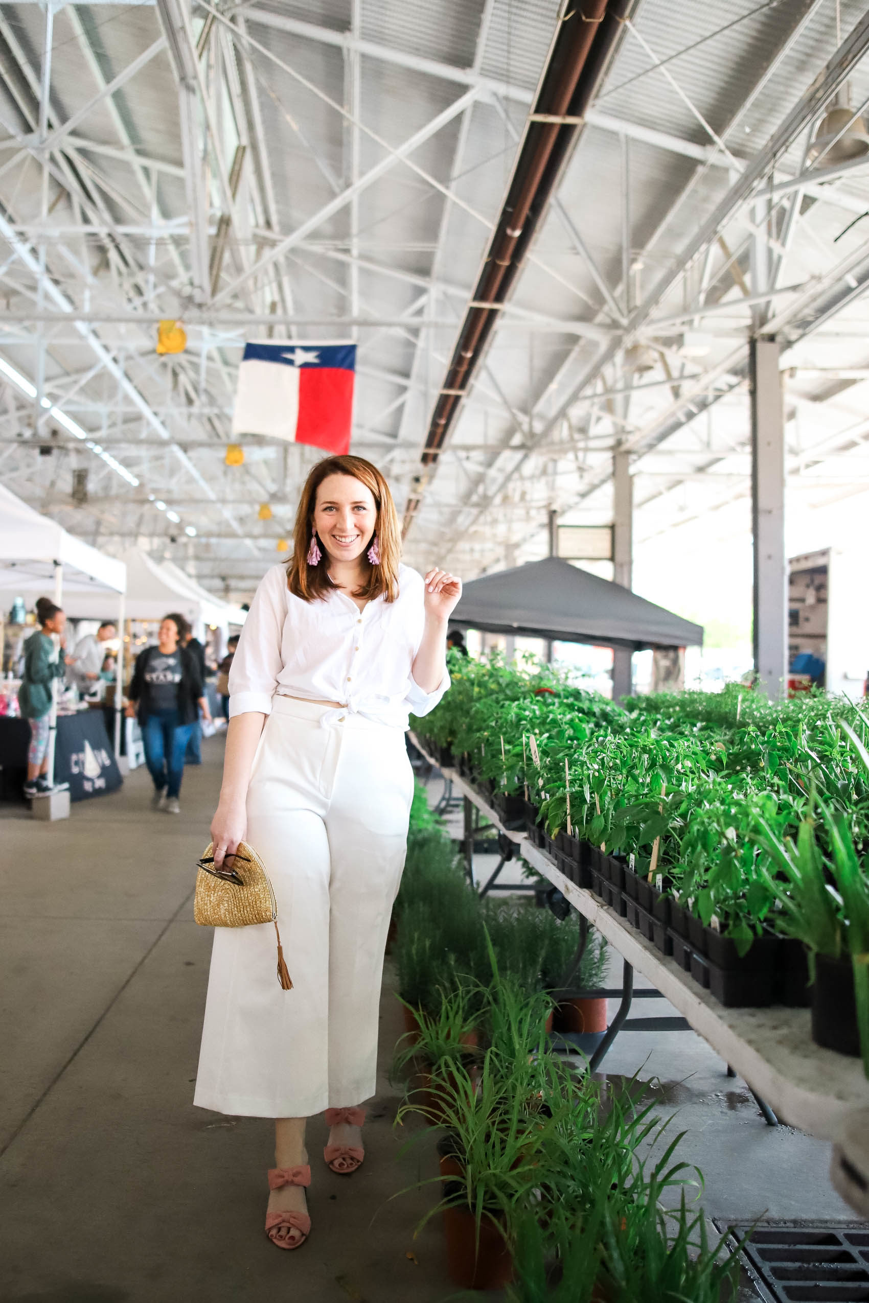 Fun Activities for a Staycation in Dallas | What to do on a Vacation in Dallas | What to Wear While on Vacation in Dallas | What to Wear on a Staycation | Wide-Leg Pants | White Linen Shirt | How to Wear All White for Summer via Glitter & Spice #style #summer #fashion
