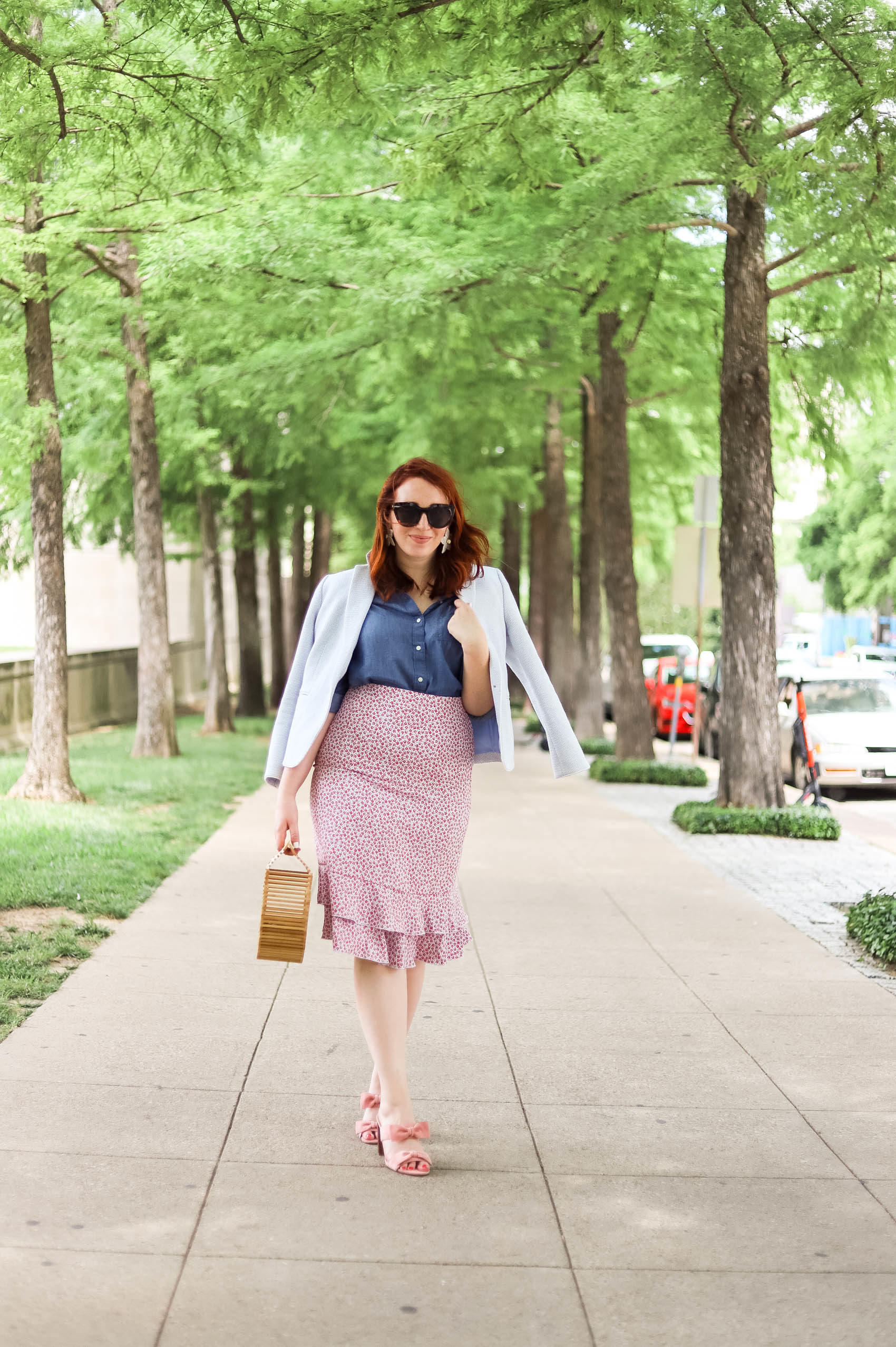 Ann Taylor Workwear | Summer Work Style | Summer Work Clothes Ann Taylor | How to Style a Blazer | How to Wear a Blazer | Fourth of July Outfit | Business Casual Outfit #womensfashion #summerstyle #fourthofjuly #outfitideas #summersales #fourthofjulyoutfits #fashion #style