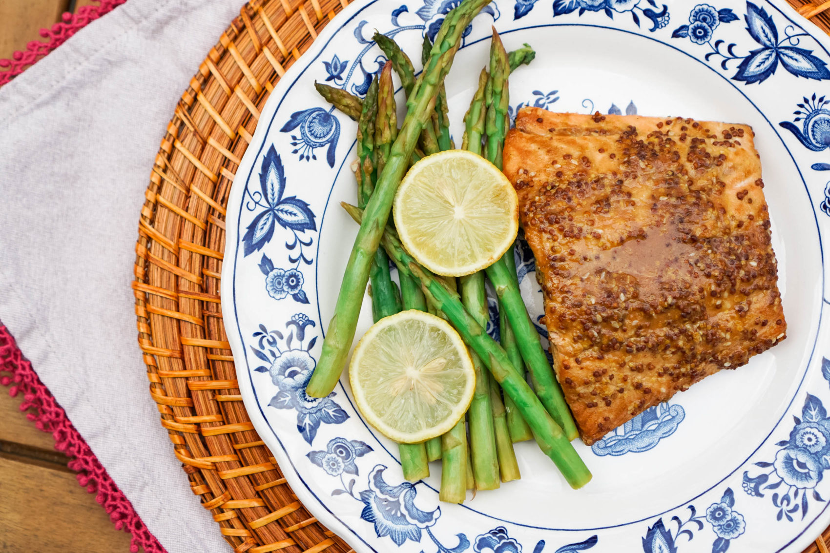 Best Healthy Weeknight Dinners for One: Sesame-Ginger Salmon Recipe |  Healthy One-Pan Recipes